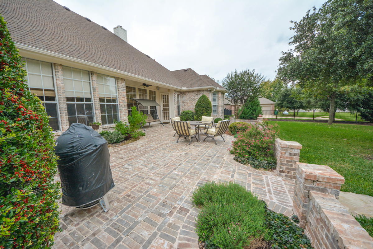 3475-twin-lakes-drive-celina-tx-75078-back-patio