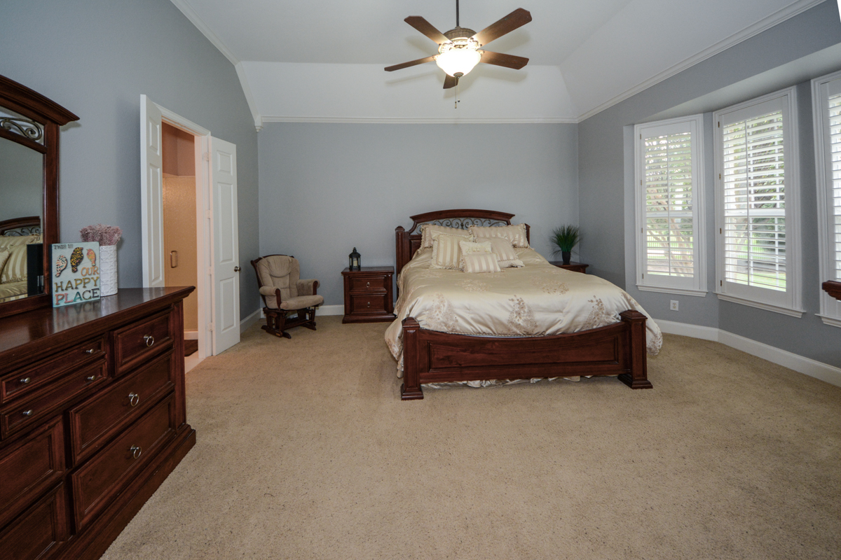 3475-twin-lakes-drive-celina-tx-75078-master-bedroom