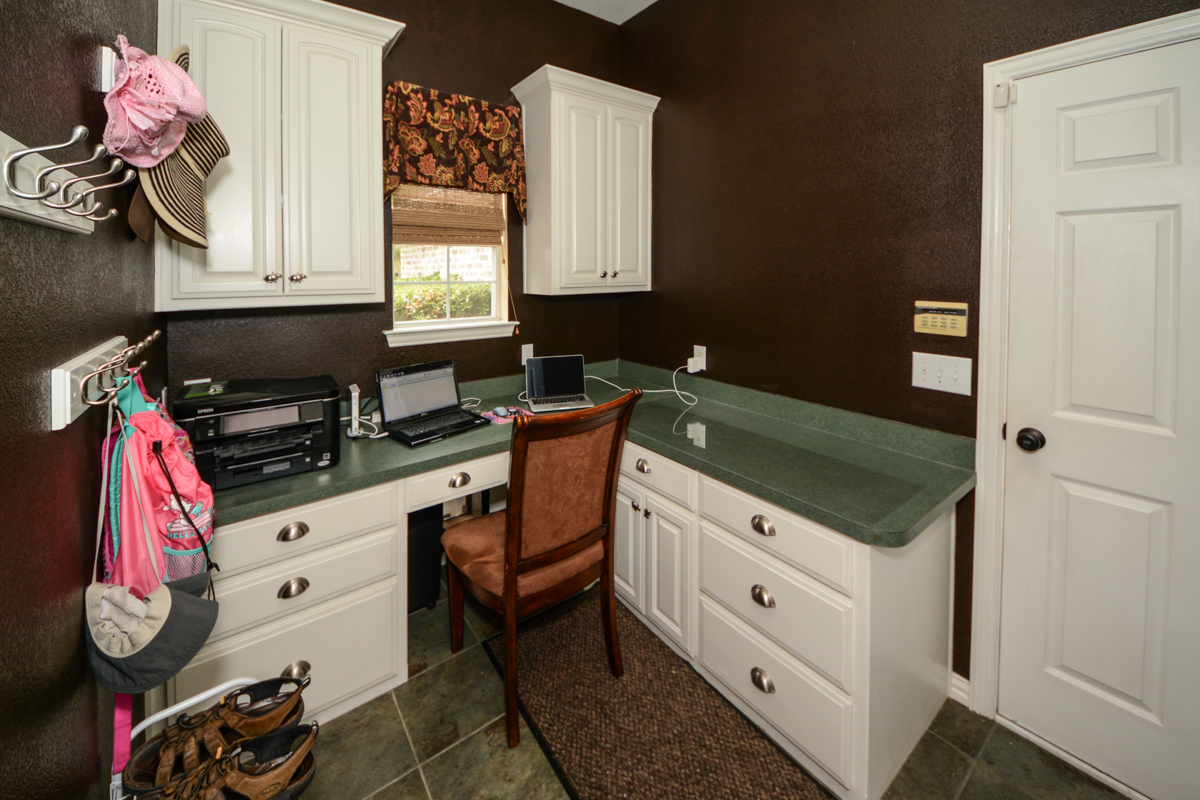 3475-twin-lakes-drive-celina-tx-75078-mudroom-office